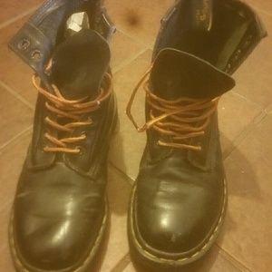 Dr marten 1490 boots